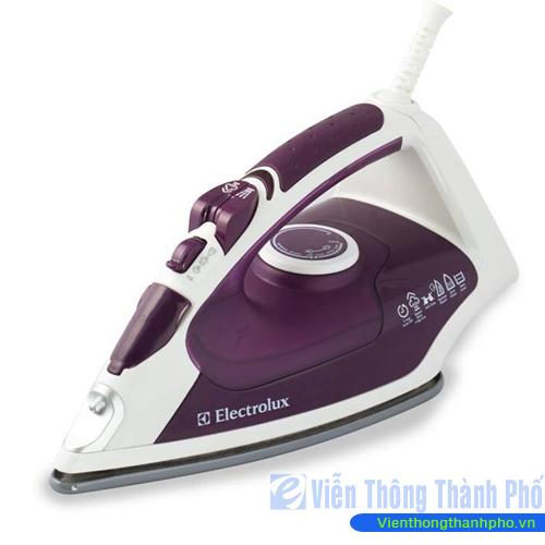 Bàn ủi hơi nước Electrolux ESI535