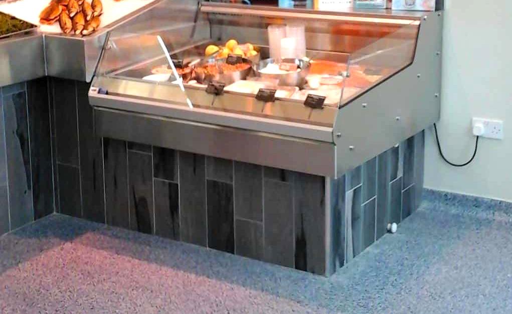 Quầy làm lạnh thức ăn tự chọn mini để trên bàn